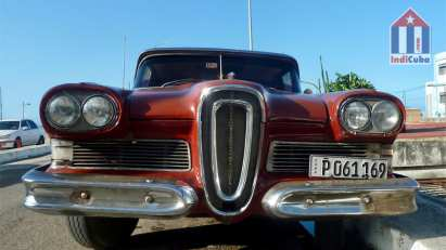 Ford Edsel - American vintage cars in Cuba