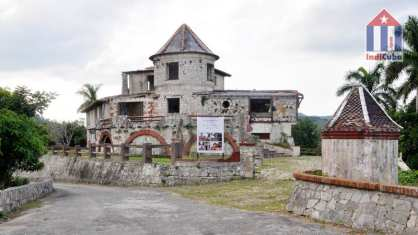 "Tourist attraction Soroa ""Castillo de las Nubes"""