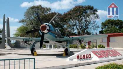 "Warplane in the museum ""Playa Giron"""