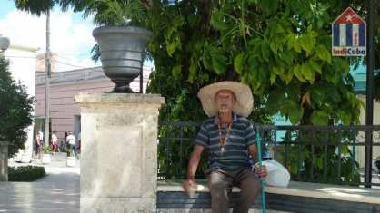 Old man with cigar in Camaguey